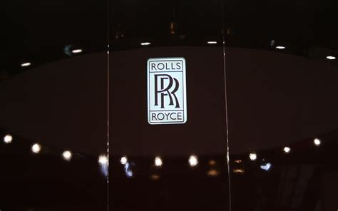 rolls royce logo wallpaper rolls royce paris 2008 logo