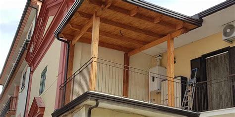 coperture terrazzo in legno gazebo smontabile in legno lamellare a copertura di un