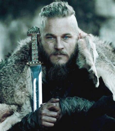 travis fimmel ragnar vikings men i love pinterest ragnar vikings one of my favorite shows on tv i love