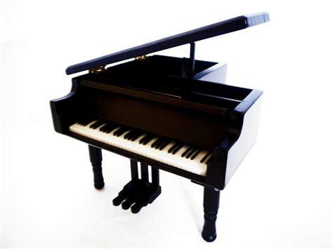 imagenes kawai en blanco y negro caja musical blanco negro piano miniatura replica con