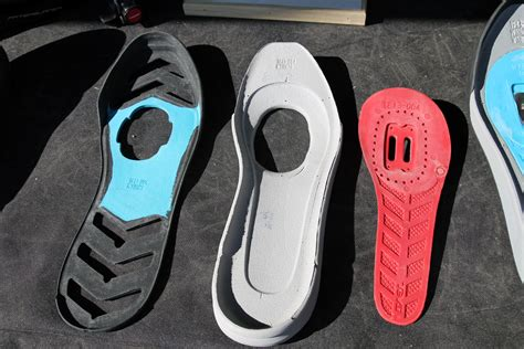 casual clipless bike shoes soc13 teva launches pivot clipless mtb shoe carbon