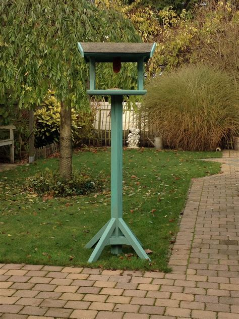 Permalink to Bird Feeding Station Tips – How to Make a Bird Feeding Station that Rocks!