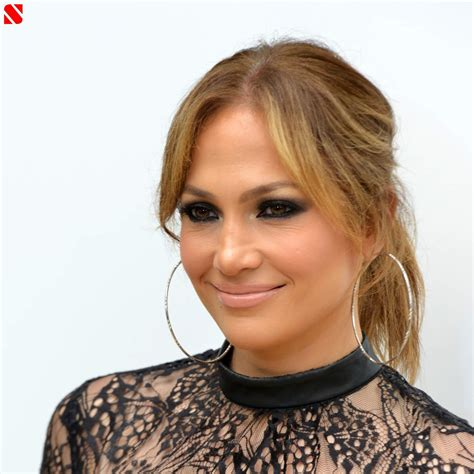 biography in spanish on jennifer lopez jennifer lopez biography
