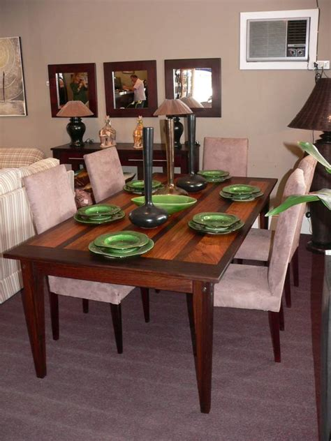 dining room tables chairs  grasscloth wallpaper