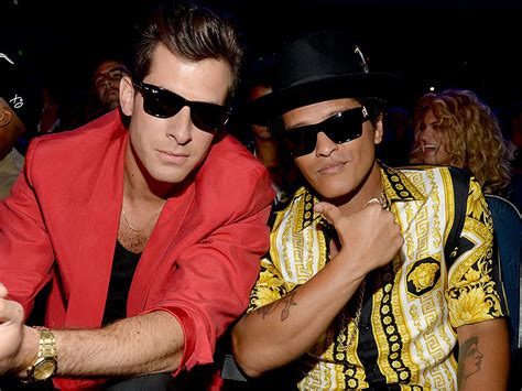 free download mp3 bruno mars mark ronson grammys 2016 bruno mars and mark ronson win best pop duo