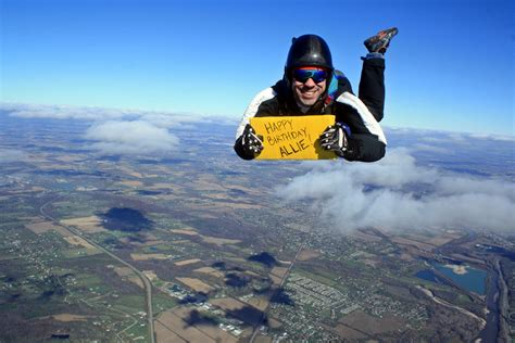 parachute dive smiling skydiver with message photoshopbattles