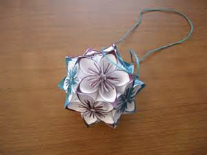 How To Make A Small Origami Flower - how to make easy origami flowers all crafters great and