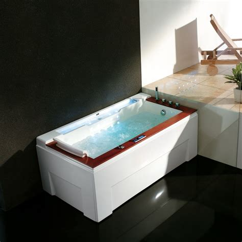 large luxury bathtubs sorrento luxury whirlpool tub