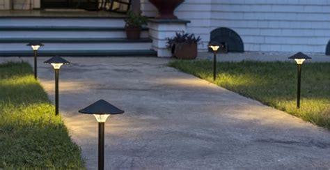 illuminazione vialetti giardino illuminazione giardino tutto quello devi sapere