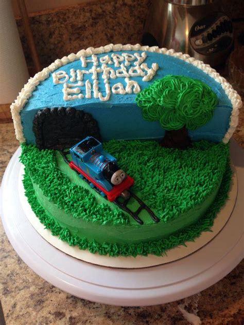 easy diy train birthday cakes   engineer  love thomas friends