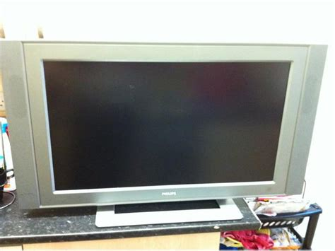 Tv Led Philips 50 Inch philips 32 inch lcd tv with remote smethwick 163 50 sandwell sandwell