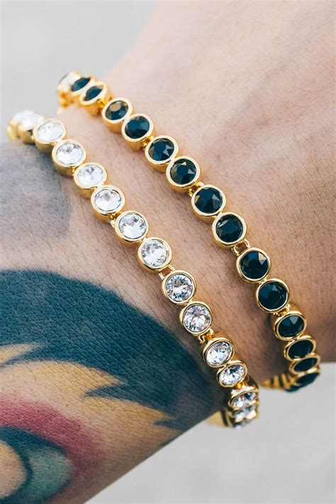 Must Pieces Of Jewellery by These Trendy Modern Pieces Are A Must Jewelry