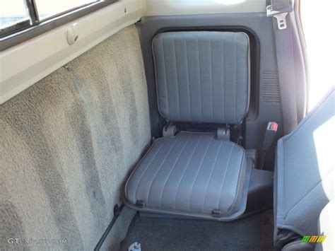 2001 nissan frontier seats 2001 nissan frontier xe king cab rear seat photo 70694708