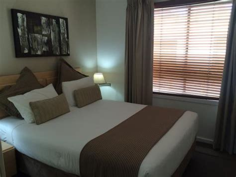 2 bedroom apartments darling harbour photo1 jpg picture of oaks goldsbrough apartments