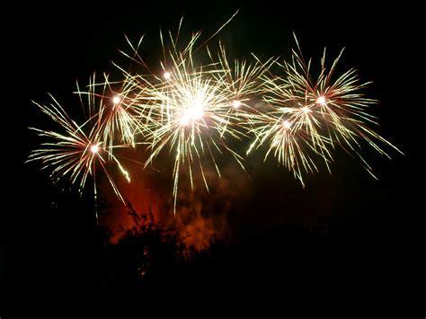 fuochi d artificio clipart animated fireworks wallpaper clipart