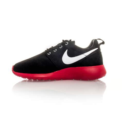 nike casual shoes for nike rosherun gs boys casual shoes black