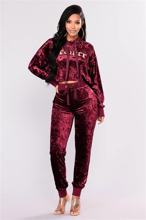 Bershka Hodie Velvet dreamy velvet hoodie wine