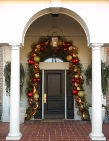 Front Porch Christmas Decorating Ideas Pictures Door Garland With Evergreens Deco Mesh And Oversized