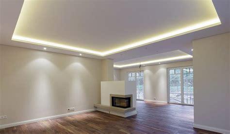 stuckleiste für indirekte beleuchtung schlafzimmer kirschbaum wandfarbe