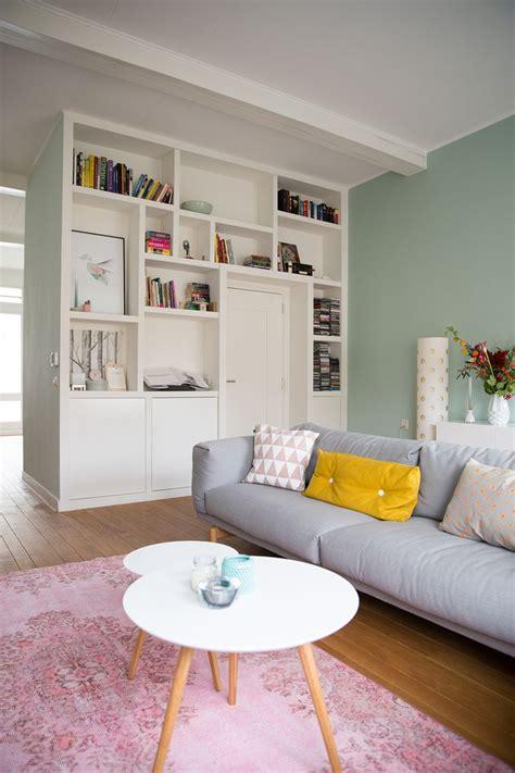 bright colour interior design 25 beste idee 235 n over muur boekenkasten op pinterest