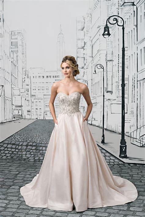 Brautkleider Volant by Spitzen 228 Rmeln Bis Volants Die Brautkleider Trends 2017