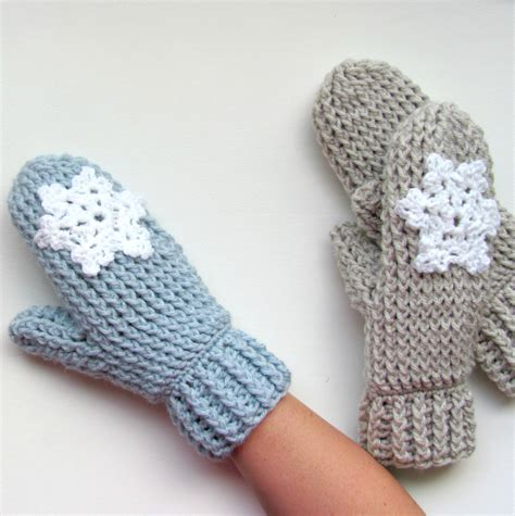 crochet snowflake pattern worsted weight yarn crochet pattern ladies mittens cable stitch thick quick