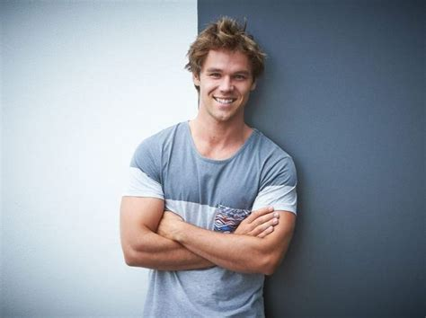 lincoln lewis lincoln lewis kicking goals overseas in and tv deals