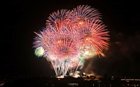 new year 2018 events honolulu the best new year s fireworks events around
