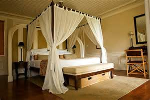 Feng Shui Bedroom Canopy Bed This Bed Is Inviting A Feng Shui Bedroom It