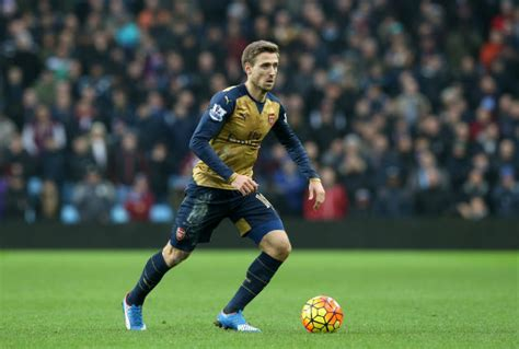 arsenal defenders arsenal defender close to signing new deal wenger