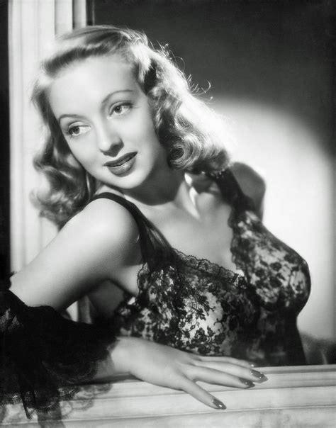 actress evelyn keyes evelyn keyes 1930s 1940s 1950s actress vintage glamour