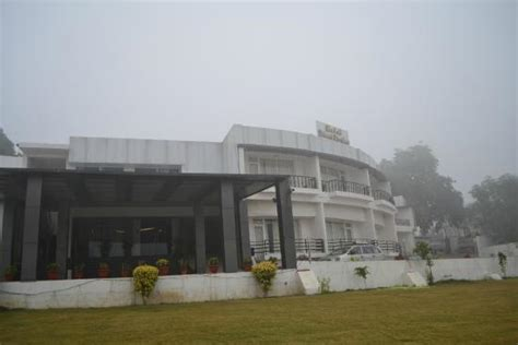 boat club in allahabad rahi triveni darshan allahabad lodge reviews photos