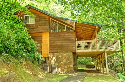 cabins for rent creekside 3 bedroom cabin rental in