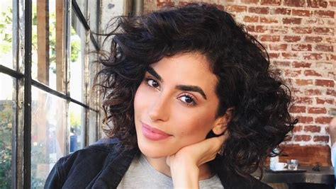 do short blunt curly haircuts look good on heavy women how to style a blunt bob when you have curly hair