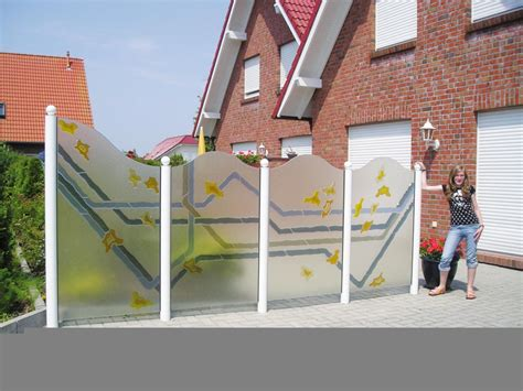 terrassen berdachung holz seitenw nde windschutz aus holz windschutz f r die terrasse aus holz