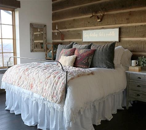 rustic farmhouse bedroom beautiful homes of instagram home bunch interior design ideas