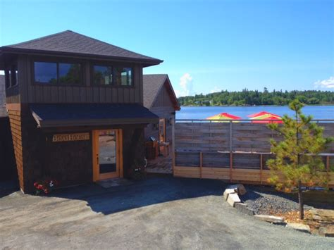 house boat kenora the boathouse holds grand re opening kenoraonline