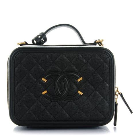 Chanel Cc Filigree Vanity Bag 1145 Tas Fashion Wanita Impor chanel caviar quilted medium cc filigree vanity black 145060