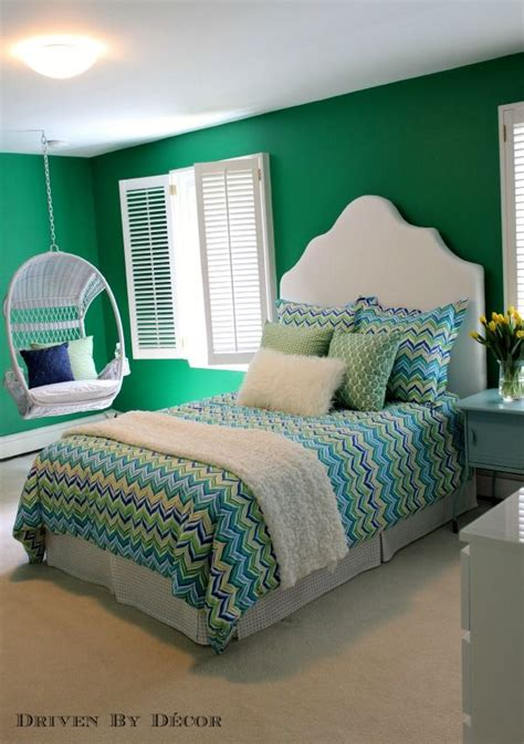 bold green bedroom wall paint with enchanting three wall 103 best on the hunt for green green paint colors images