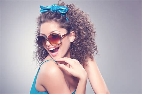 curly hairstyles buzzfeed 18 curly girl hair care hacks