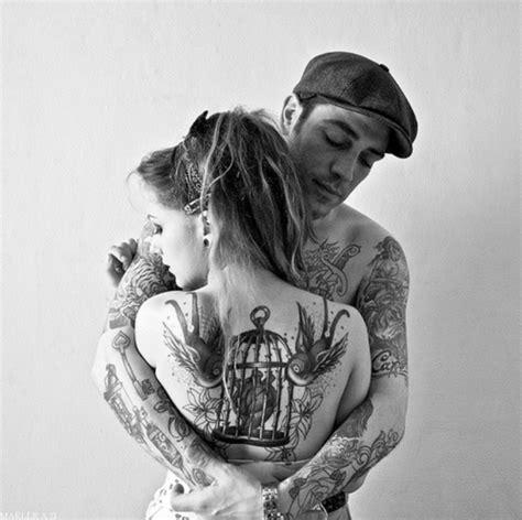 tattoo guy couple veja 45 fotos de casais tatuados para o dia dos namorados