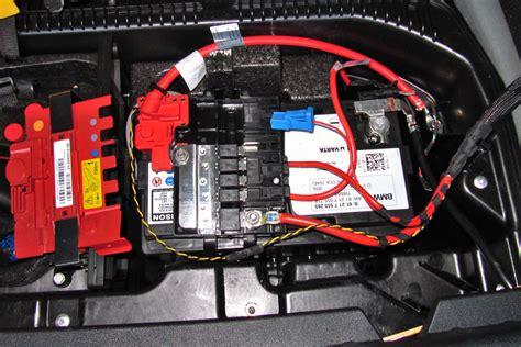 Bmw 1er E87 Batterie Laden by Img 0977 R Neue Steckdose Hinten Mit Dauerplus Bmw X1