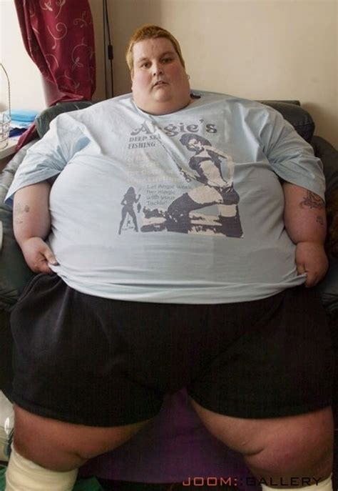 bbw on couch supersized me the funniest fat people pics