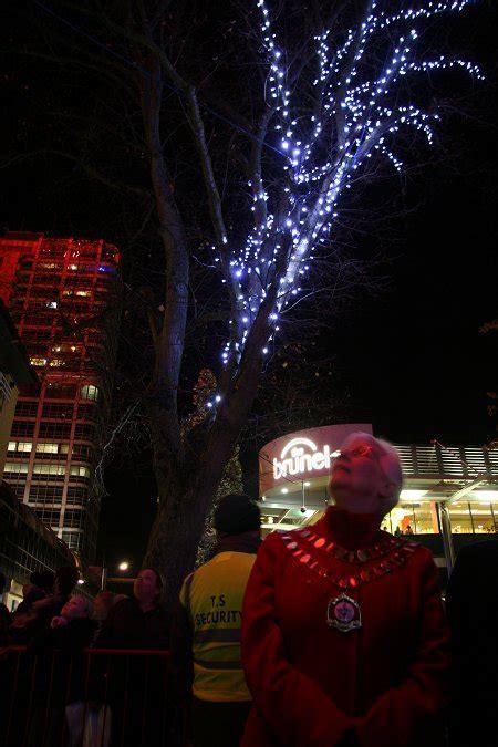 swindon town centre christmas lights 2011 swindonweb