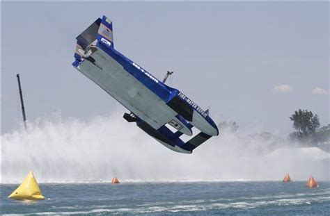 fast boat accident hydroplane boat accidents gold cup hydroplane racing