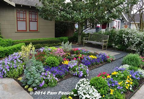 Drive By Gardens: No lawn flower garden at Houston Heights