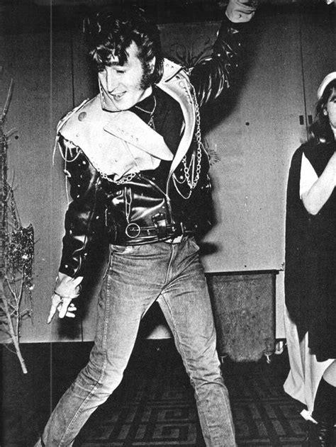 John Lennon (Costume Party 1967) | John lennon beatles