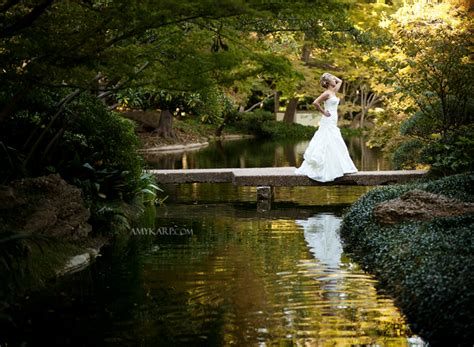 Fort Worth Botanical Gardens Wedding by Dallas Wedding Photographer Karp Fort Worth Botanical