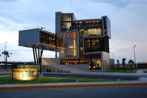 Contemporary House Colors by Edificio Darcons 5 Arquitectura En Proceso Plataforma