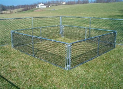 temporary fence diy build temporary fencing for dogs from wood outdoor decorations